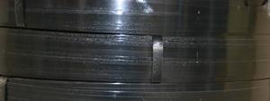 Bredspolat stålband, 13 mm, ca 1000 m, 50 kg/rulle, inv.Ø 406 mm