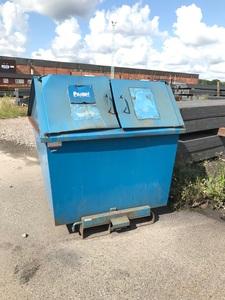 Begagnad tippcontainer med lock   Blå
